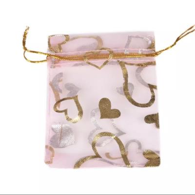 Cadeau Verpakking Organza Lichtroze met Goudkleurige Hartjes kopen